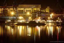 Submarine at night (HDW, Kiel)