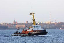 Mistral (Tug, 33m x 10m, IMO:6923888) captured 24.11.2013