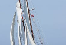"""... view onto sailing """"Qualle"""" ..."""