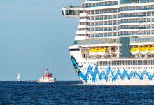 ... leaving port ...